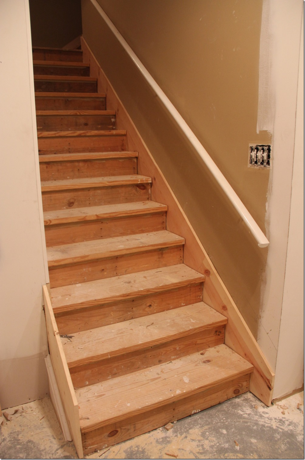 wooden-basement-stairs-as-egress
